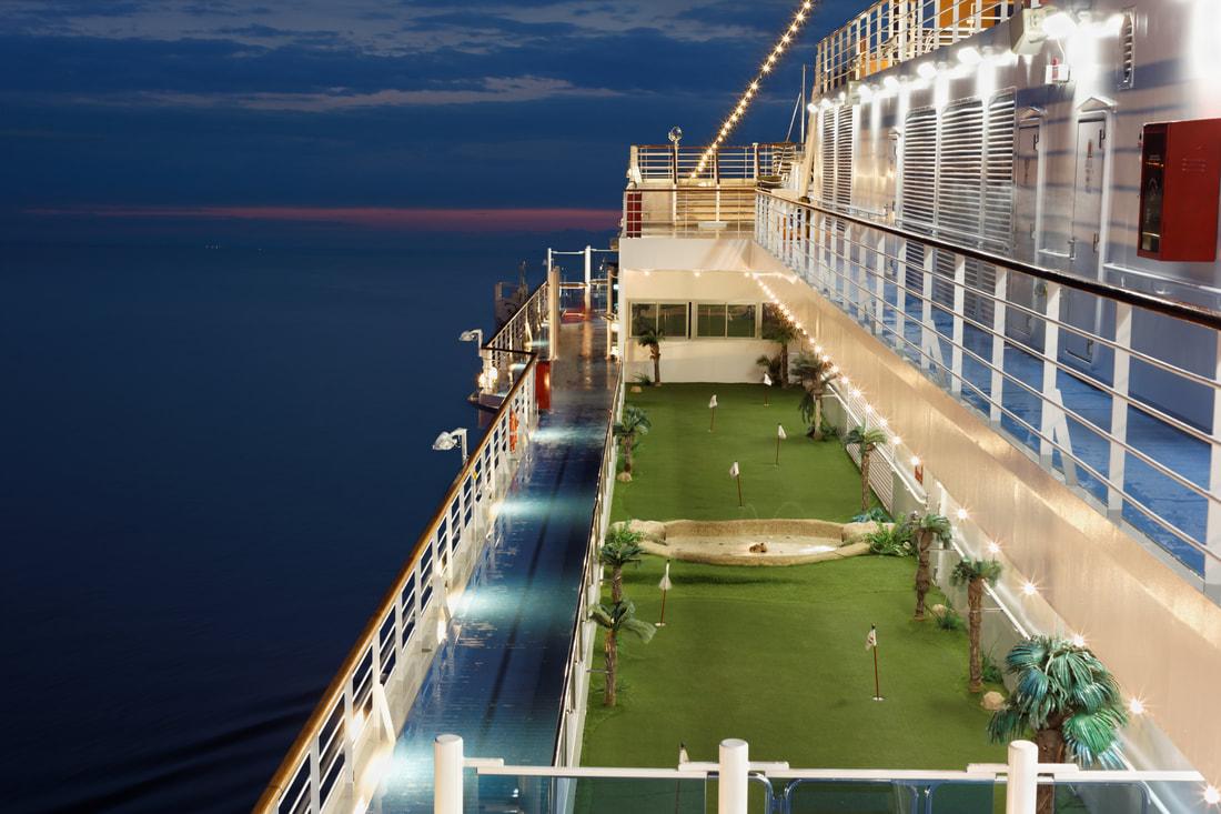 An Ocean Cruise Golf Green